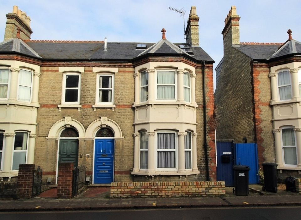 Flat 1, 33 Mill Rd, Cambridge, CB1 2AB