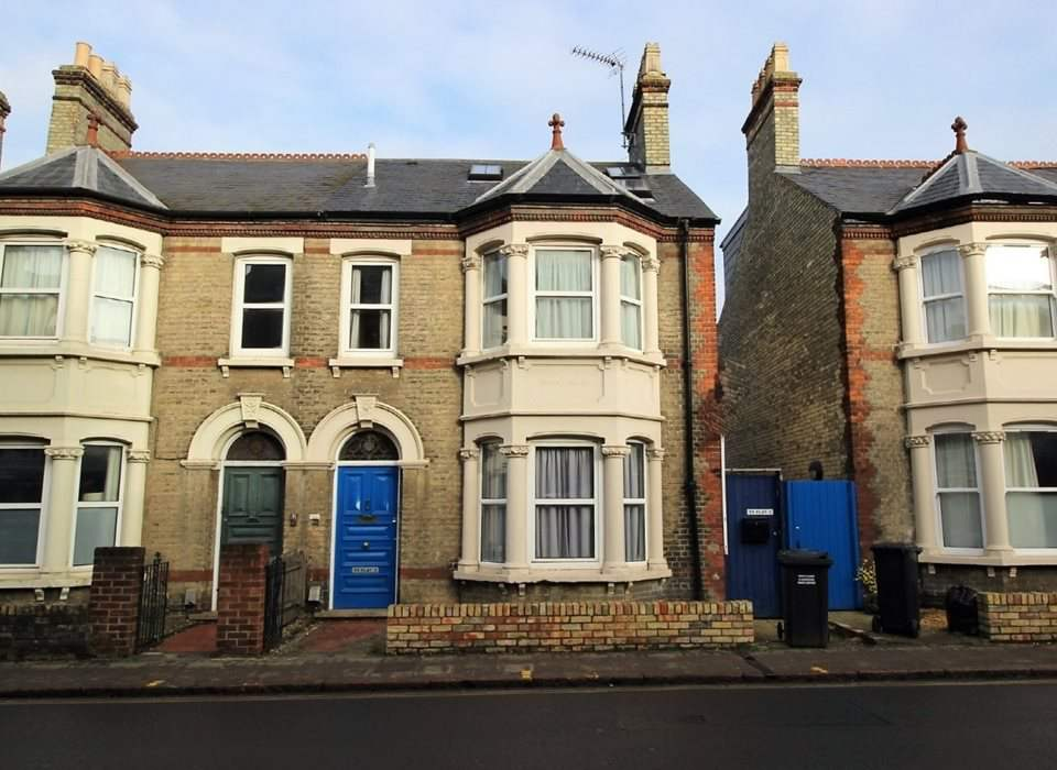 Flat 2, 33 Mill Road, Cambridge, CB1 2AB