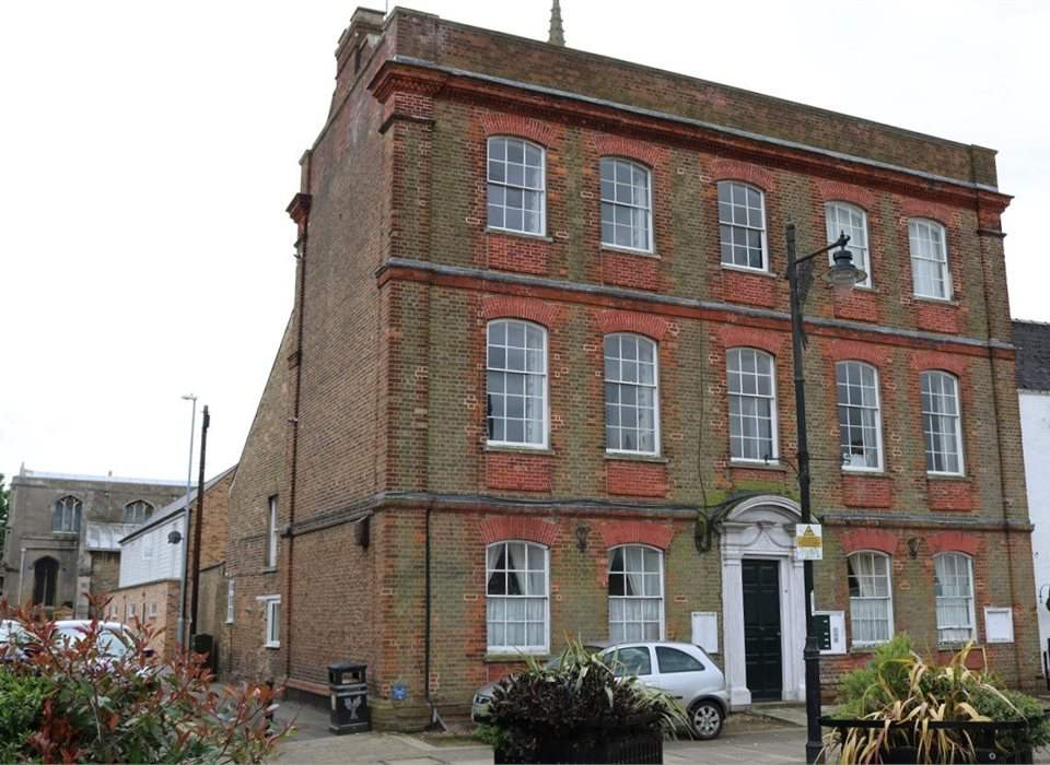 2 Mansion House, Market Place, Whittlesey