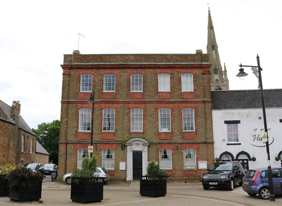 3 Mansion House, Market Place, Whittlesey