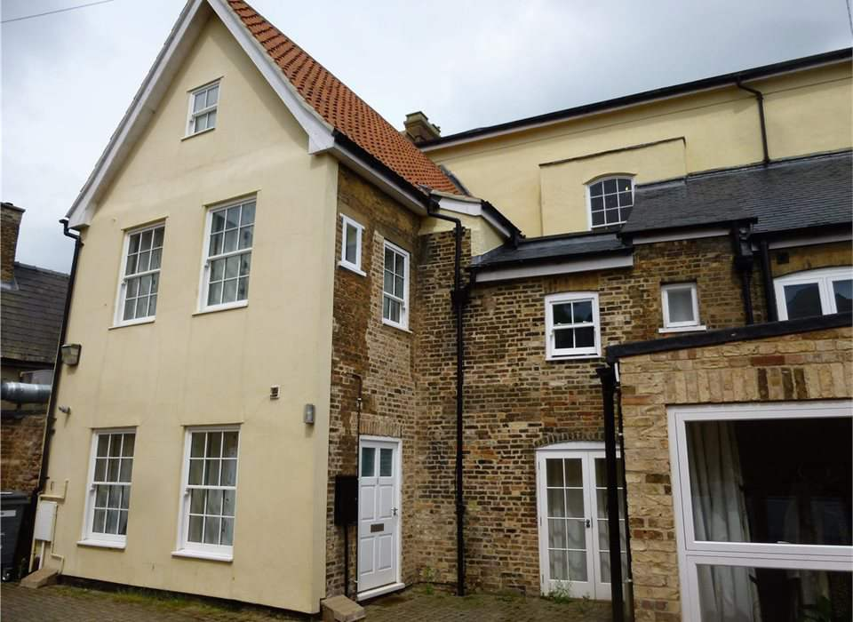 8 Mansion Gardens, Market Place, Whittlesey