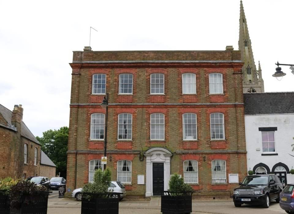 4 Mansion House, Market Place, Whittlesey