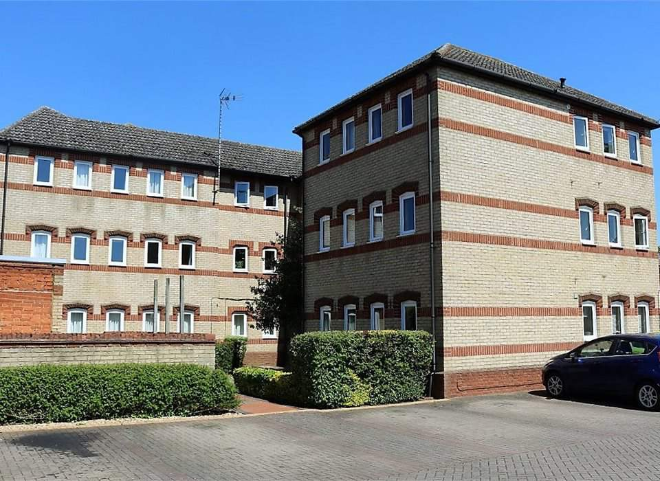 8 Bridge Court, Thrapston