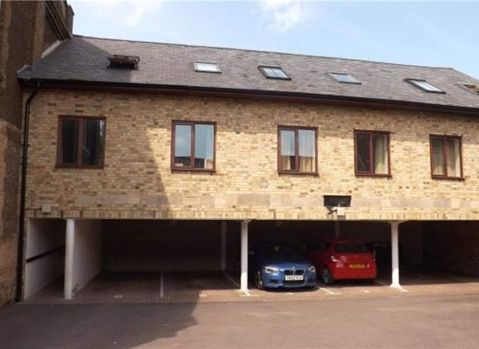 2 Chapel Court, Potton