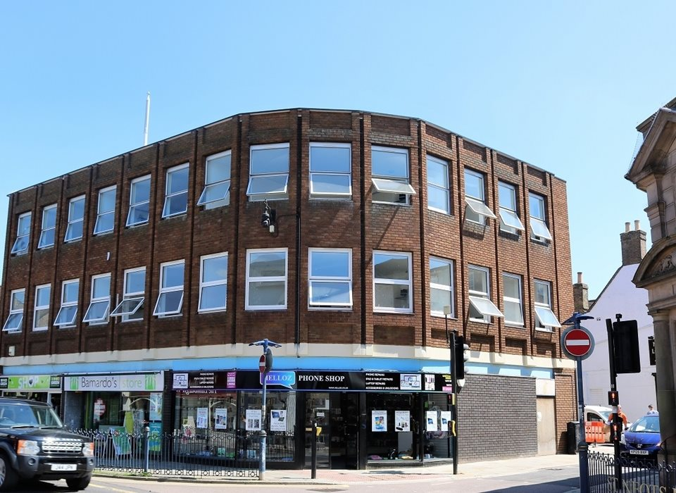 8 Pavilion Chambers, High Street, St Neots